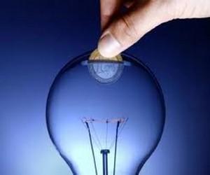 Saiba como poupar na factura da Electricidade