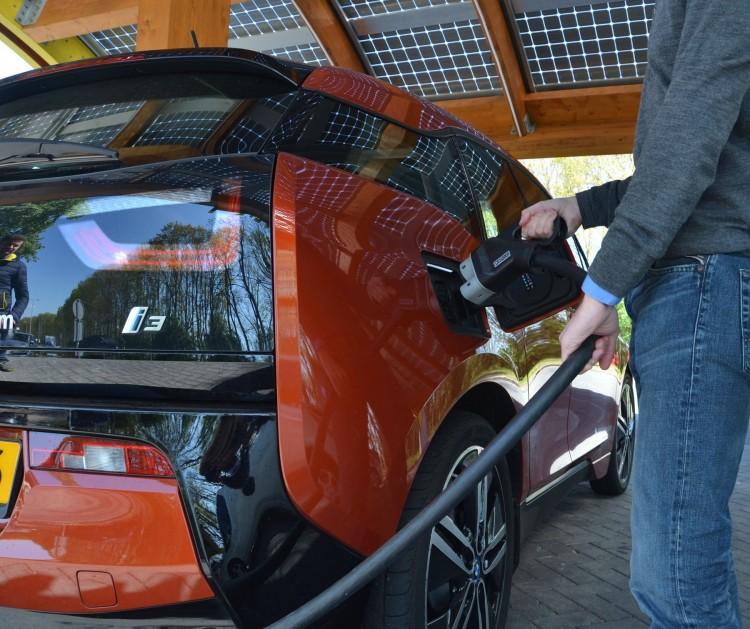 """Veículos Eléctricos """"obrigatórios"""" a partir de 2025, lei em discussão na Holanda"""