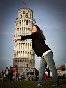 forced-perspective-22-550x733 (1)